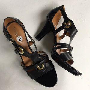 f2a22a62e58 EUC Naturalizer leather heels